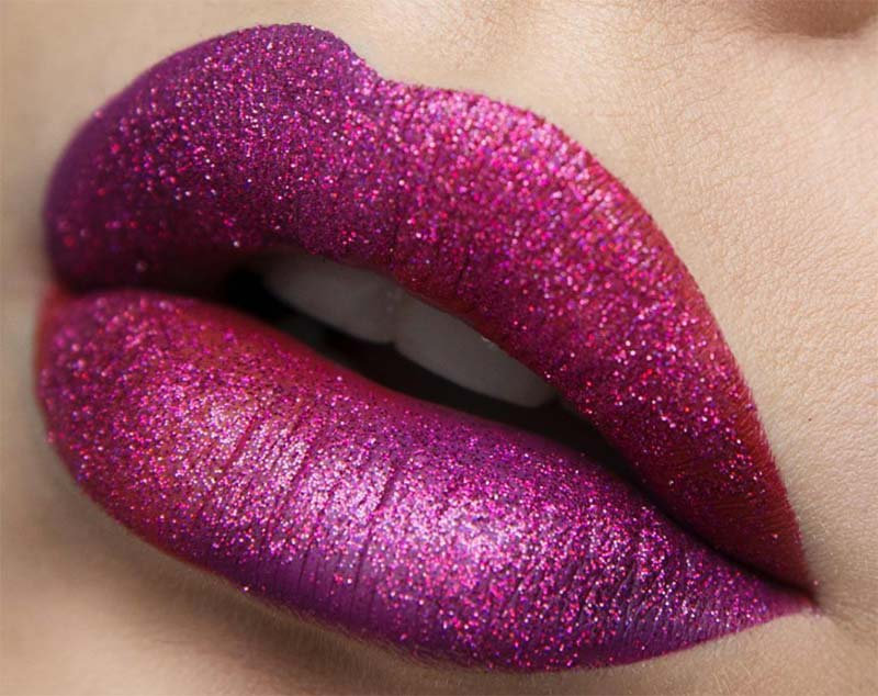 how_to_apply_glitter_lipsticks_sparkly_l