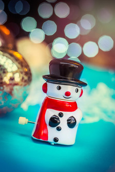 Wind up snowman toy