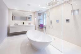 Private house ensuite bathroom