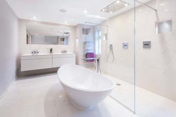 Private house ensuite bathroom