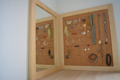 Rangement bijoux avec miroir