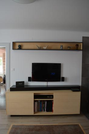 Meuble télévision et étagère assortie. Frêne et noir