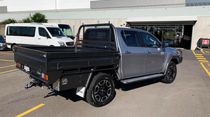 How tough does this look ❗️🤛🤜 Toyota Hilux Tray, Bull Bar, Scrub Bars, Side steps top coated with Shingleback Coating system to make it last and looking great year after year ❗️👌 . ✅ Coating Colour - Gunbarrel Shadow.
