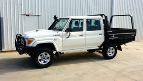 Awesome result of Landcuiser Dual Cab & Toolboxes coated with Shingleback Coating system. Colour - Midnight Black.