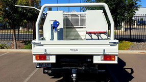 Landcruiser Single cab heavy-duty steel tray & ali toolboxes top coated with super tough #Shinglebackcoatingsystem 🔥🤛.