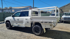 Land Cruiser 200 series tray and underbody toolboxes top coated with super tough Shingleback coating system 🔥👊.  Looking the goods ❗