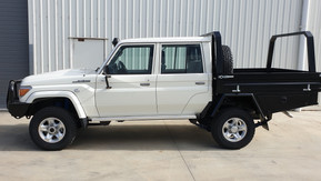 Landcuiser Dual Cab & toolboxes coated with Shingleback Coating system.
