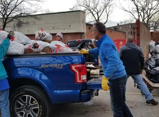 Scott Presler, Corey Brooks, and 250 conservatives get 6 tons of trash out of Englewood