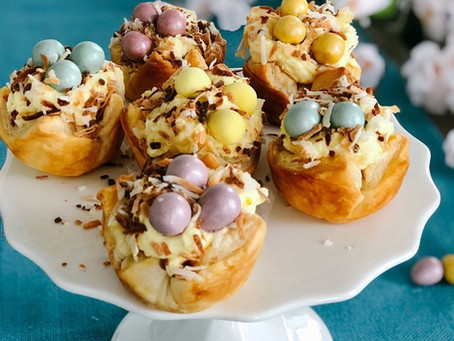 EASTER ROBIN NESTS WITH WHIPPED CREAM FILLING