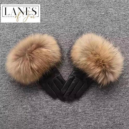 """NOBU"" Raccoon Fur Gloves"