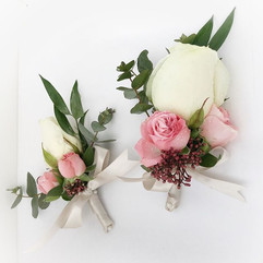 Little and large buttonholes, such an au