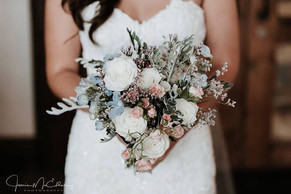 Gorgeous florals for Lizzie and Jamie's