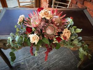 I love a good statement floral design an