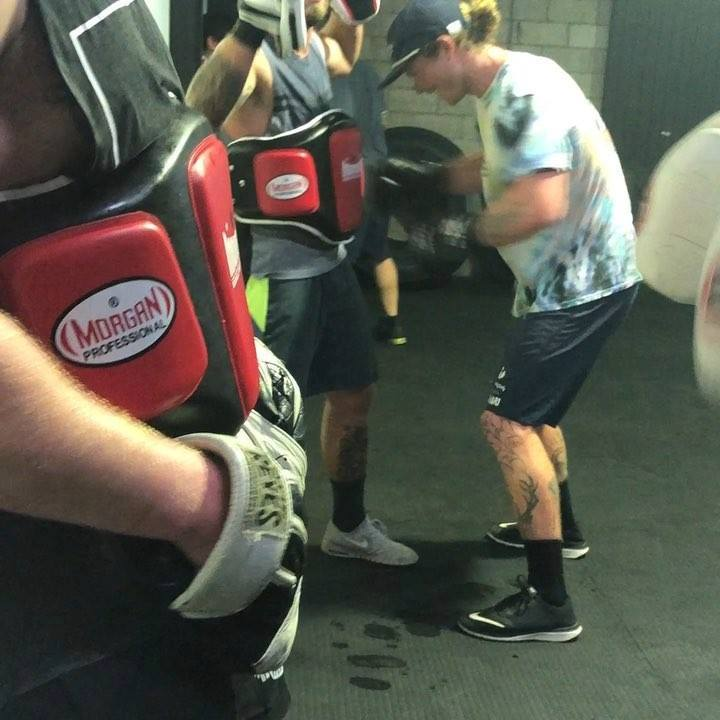 Hump day Bootcamp kicking it with pad work and a whole ton of hard ass body work before circuit and some core to finish the evening. Great day at the house of sweat and skills. Join the Black Diamond tribe today! #summeriscoming #boxing #blackdiamond
