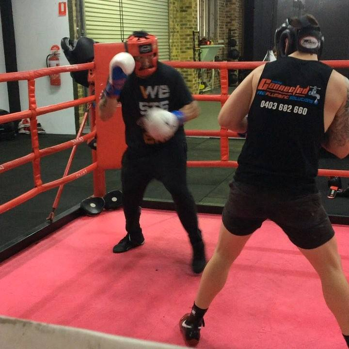 Daniel and Adrian putting in some good tough rounds. Nothing beats the sweet science baby! Train hard, Fight Easy! #boxing #blackdiamondboxing #fitness #sweetscience #weightloss #gym #illawarra #wollongong #amateurboxing