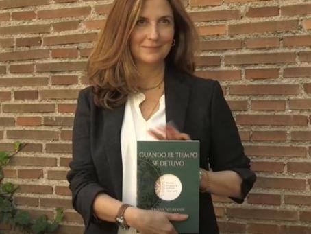 VÍDEO: La escritora Ariana Neumann comparte el pasado de su padre en el Holocausto