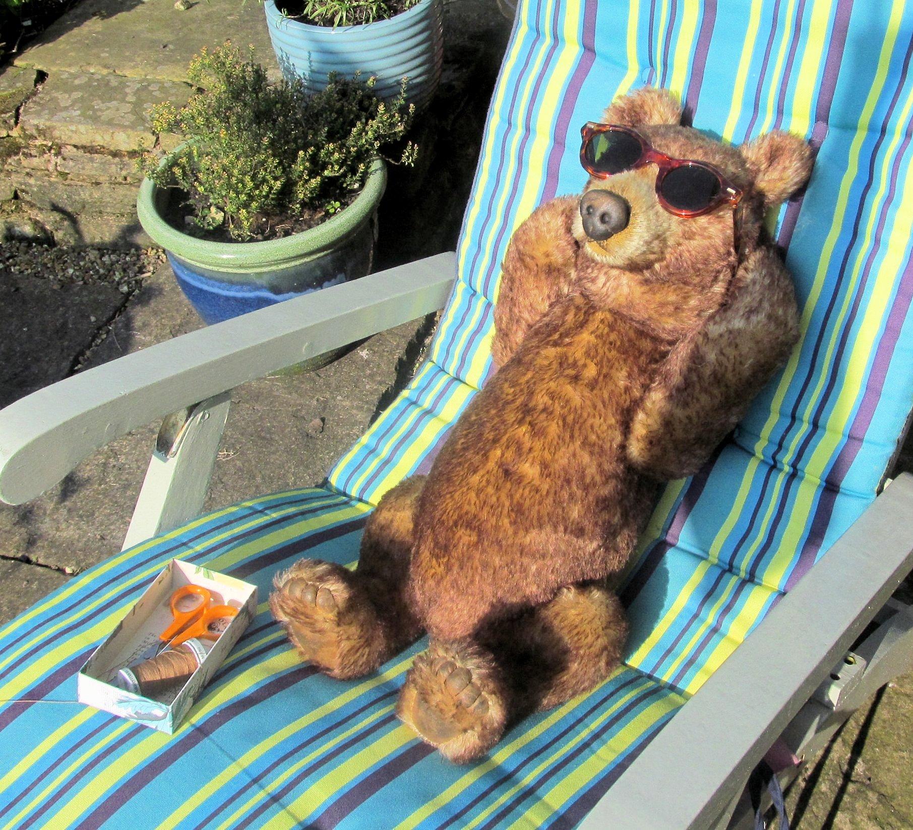 ralph sunbathing 002