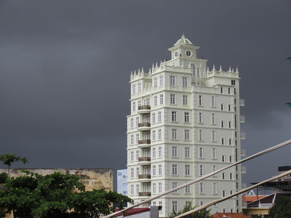 Phnom Penh czarne niebo ulewa chmury monsun
