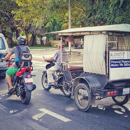 Tuk-tuk, cz. 1   Phnompeński tuktukarz