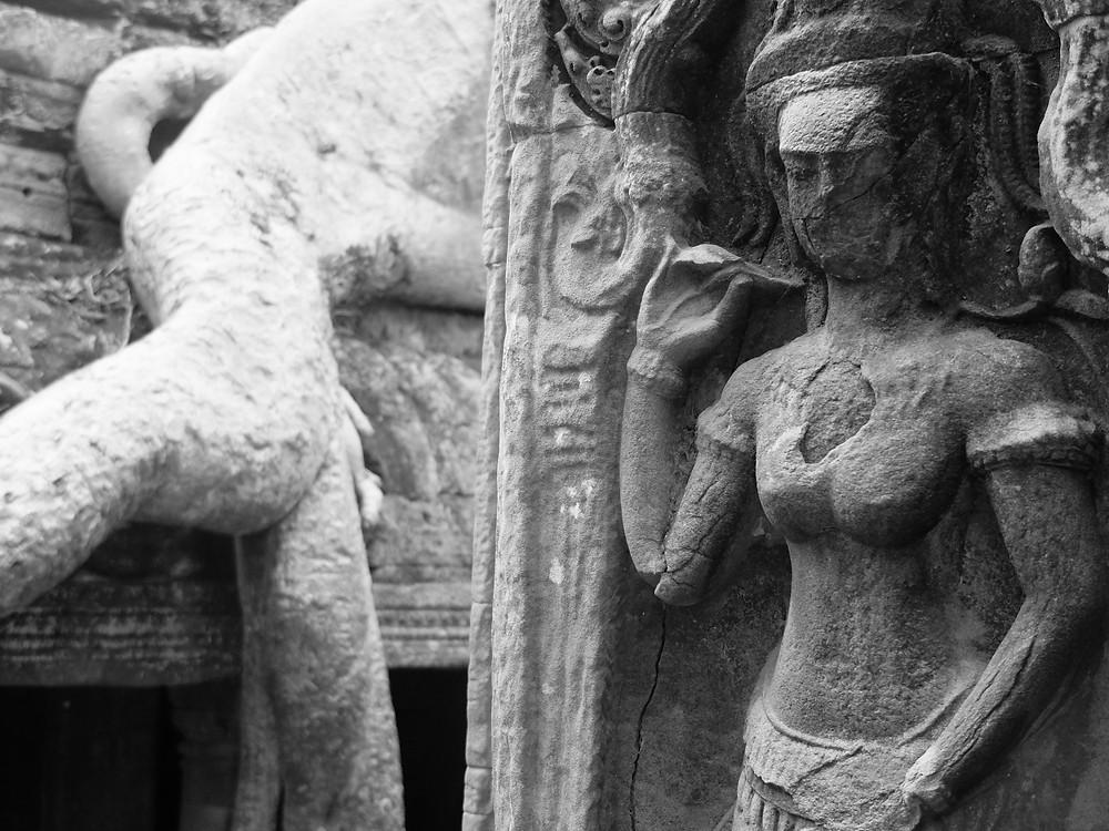 Angkor Wat, Ta Prohm temple, świątynia, appsara, tancerka, płaskorzeźba, świątynia w dżungli