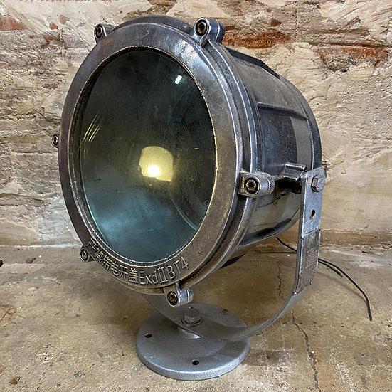 Projecteur de recherche marine