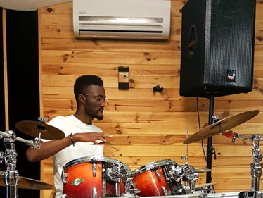 """vidéo clip with """"Manu"""", our first drummer"""