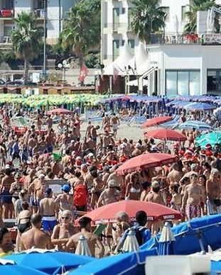 spiaggia-libera-ansa29.jpg_997313609.jpg