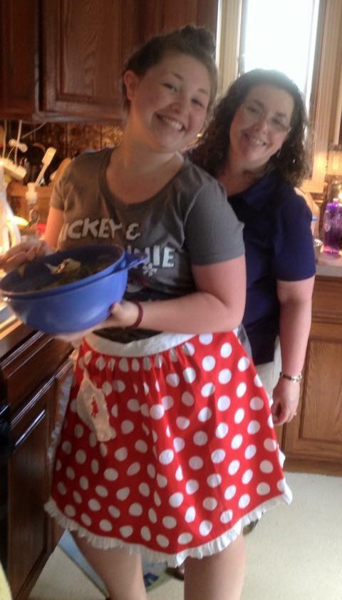 Anna and her mom, Patti, baking in the kitchen