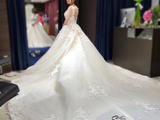 当店1番人気ドレス、待望の5号サイズが入荷しました‼️
