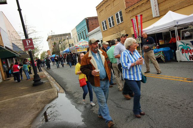 food-vendors-at-groove-n-brew-festival-.