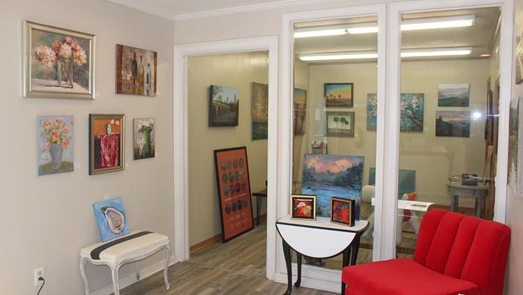 Rob-Shaw-Framing-and-Gallery-lobby.jpg