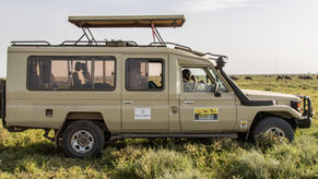 tanzania wildlife photography safari vehicle