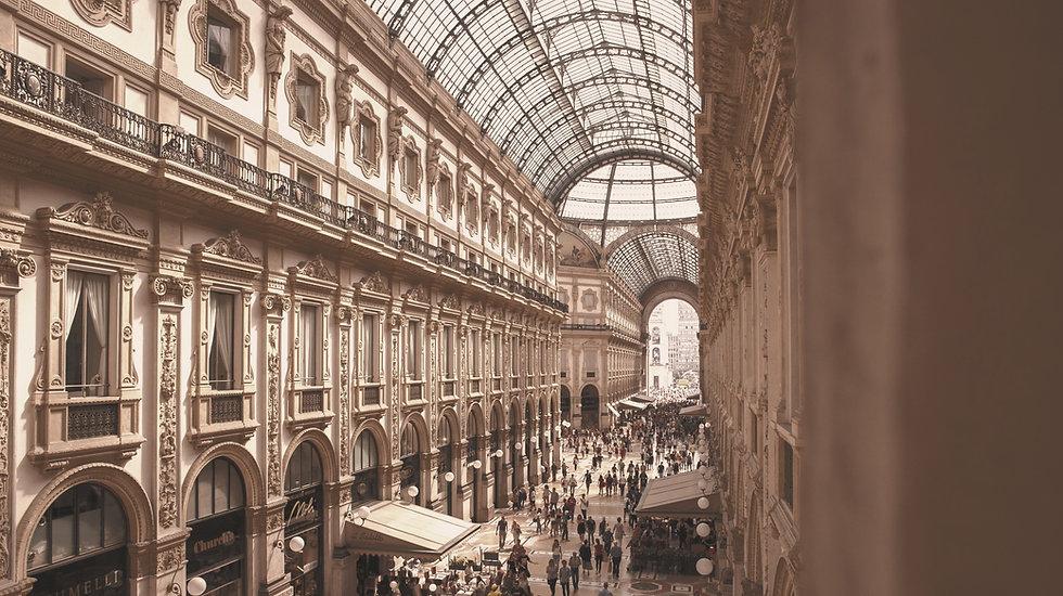 people-inside-galleria-vittorio-emanuele-ii-shopping-mall-in-2954412_edited_edited.jpg