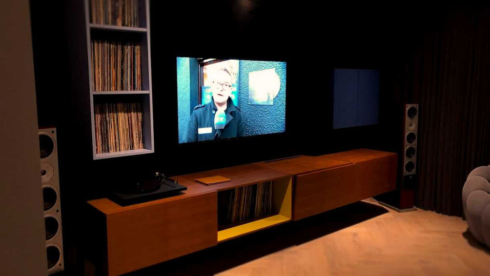 TV Room 2.jpg