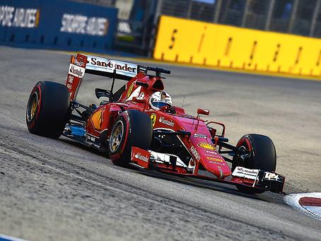 Sebastian Vettel y Ferrari en todo lo alto en Singapur.