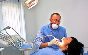 dentistworking.jpg