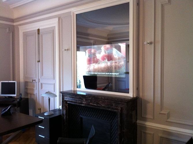 Ecran intégré dans un miroir