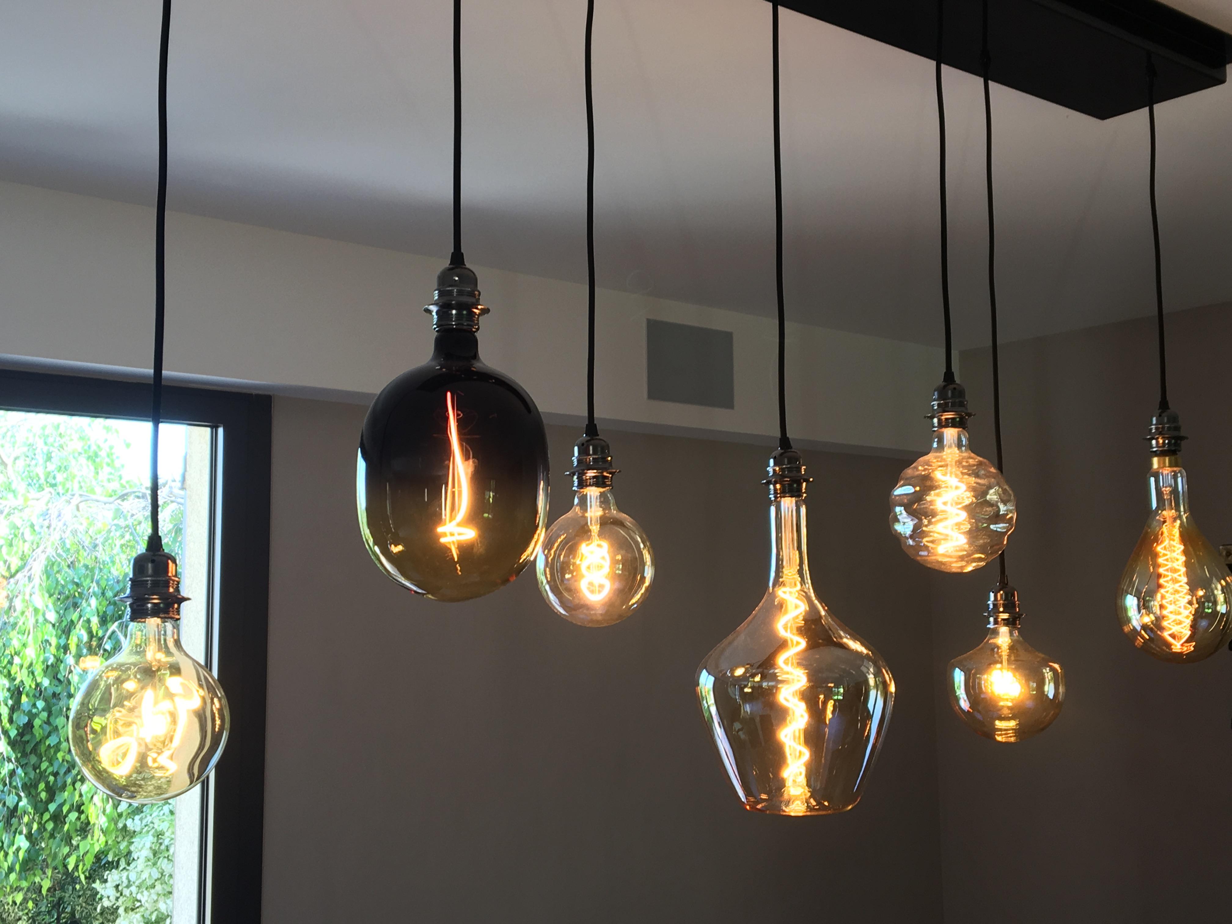 Fabrication d'un luminaire avec ampoule décorative