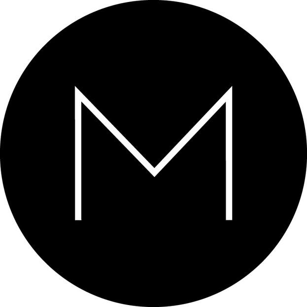 M-svarturhringur1.jpg