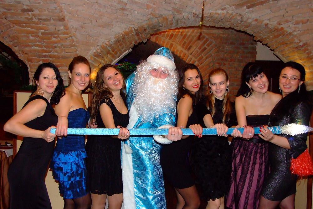Дідусь Мороз та Снігуронька в Чехії