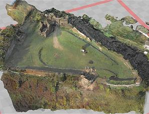 Les ruines de la forteresse de Cluis dessous.