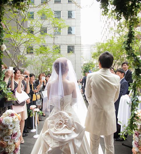 結婚式二次会の幹事代行:人前式にて大切なゲストにご挨拶