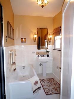hgtv-bathroom-makeovers-digsdigs-e2-80-93-interior-design-and-free-1080p_bathroom-makeovers_bathroom