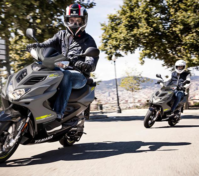 2018-Yamaha-AER50F-EU-Matt_Grey-Action-0