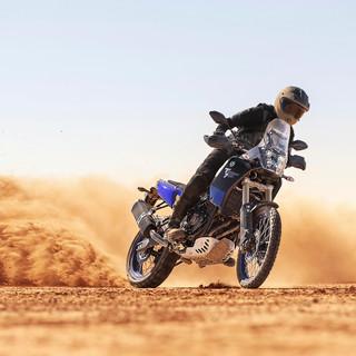 2019-Yamaha-XTZ700-EU-Ceramic_Ice-Action