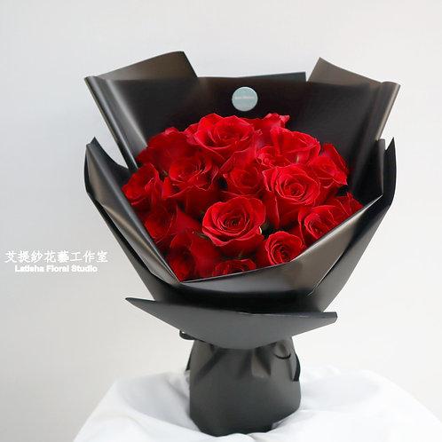 22朵進口紅玫瑰花束-兩情相悅