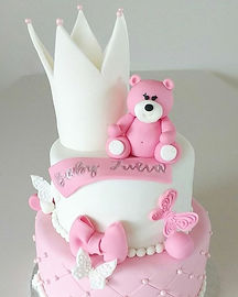 A sweet 1st bday cake for baby Julia❤❤ W