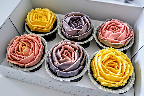 Fyldt blomster cupcakes