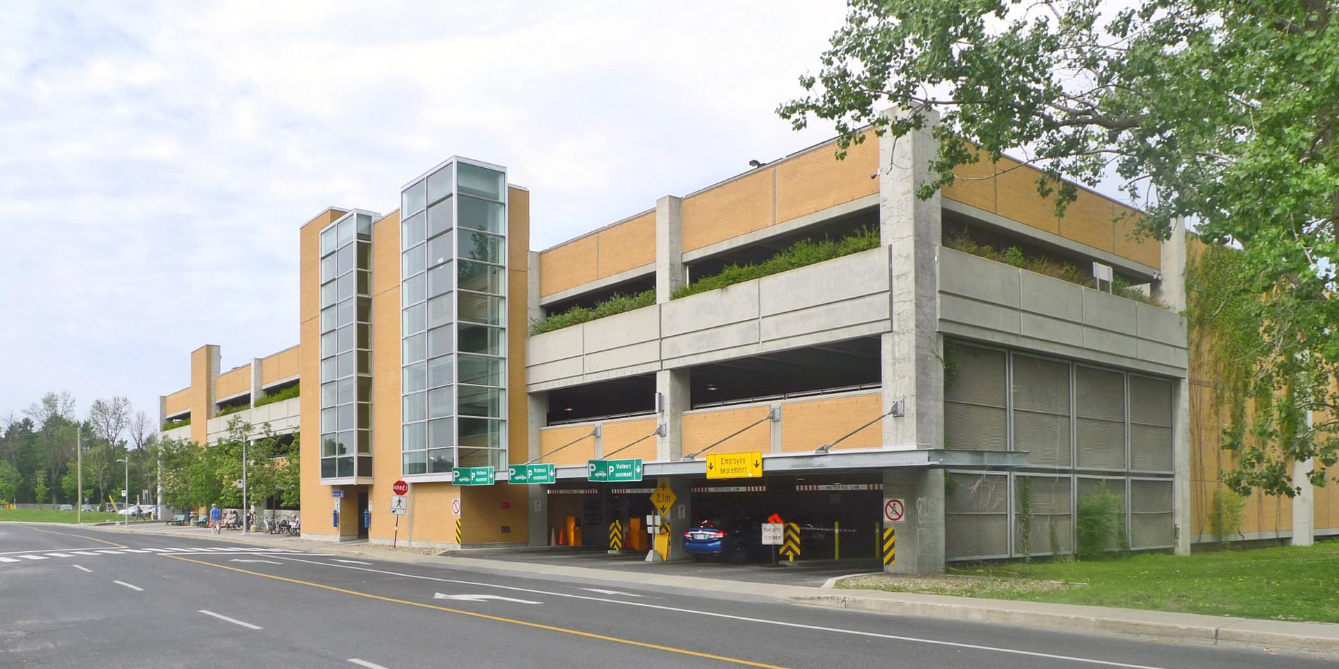 Stationnement Étagé, Hôpital Charles-Lemoyne