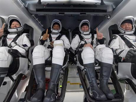 Crew Dragon splashes down to end Crew-1 mission